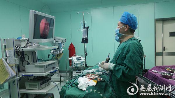 鼻孔闭锁手术现场