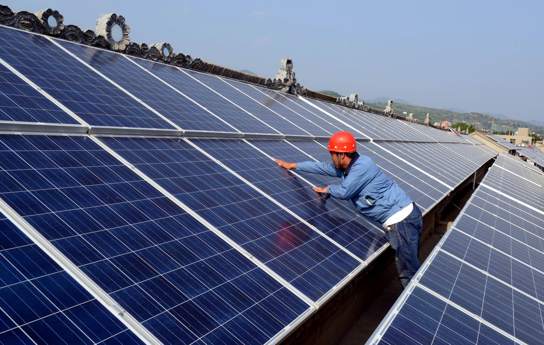 太阳能光伏组件规格_娄底:光伏发电的屋顶向着太阳铺开_娄底新闻网