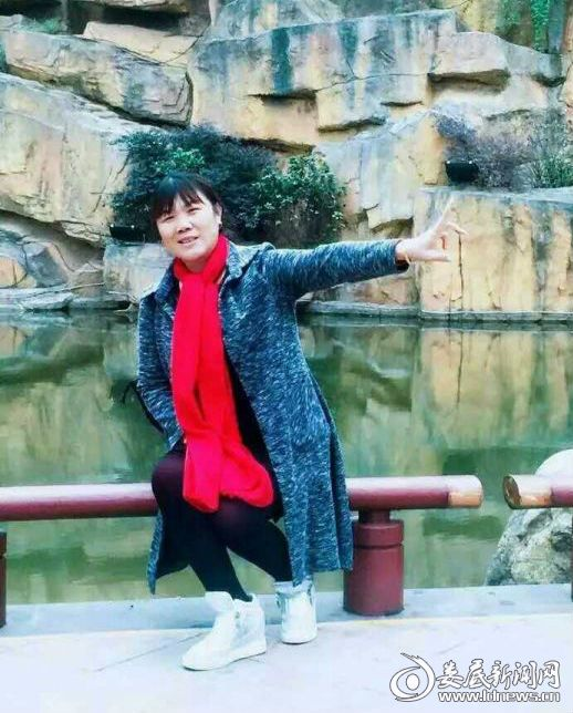 邹建群,女,现年53岁,甘棠镇中心小学数学教师,娄底市优秀少先队辅导员。