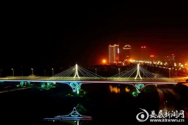 娄底市区孙水河夜景