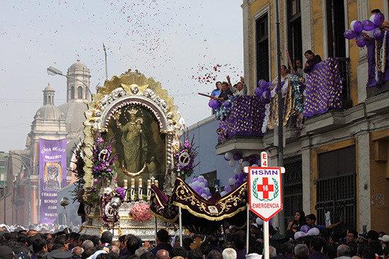 宗教节日的盛大游行