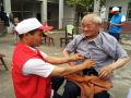 娄底市红十字志愿者到涟源市湄江敬老院看望慰问孤寡老人