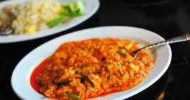 中国人在泰国爱上咖喱味 为一道菜不惜排队半小时