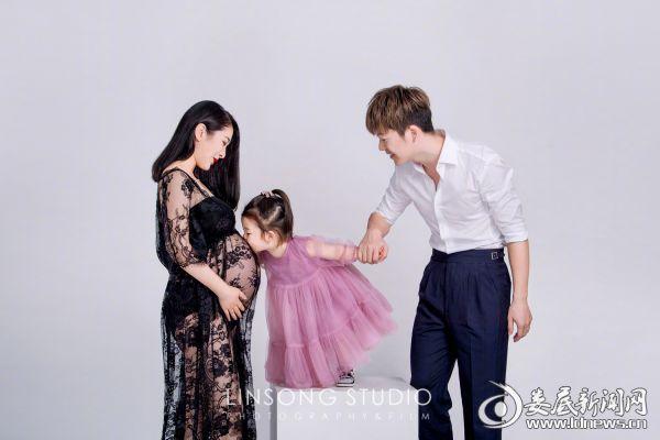 王栎鑫及女儿老婆照片