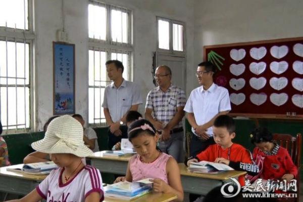 李国庆一行检查开学工作