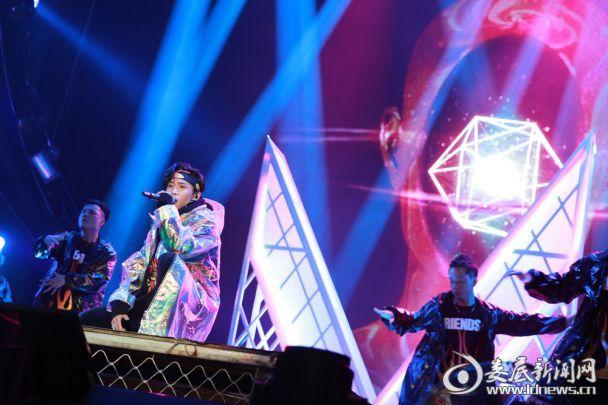 魏晨成都演唱会2图片