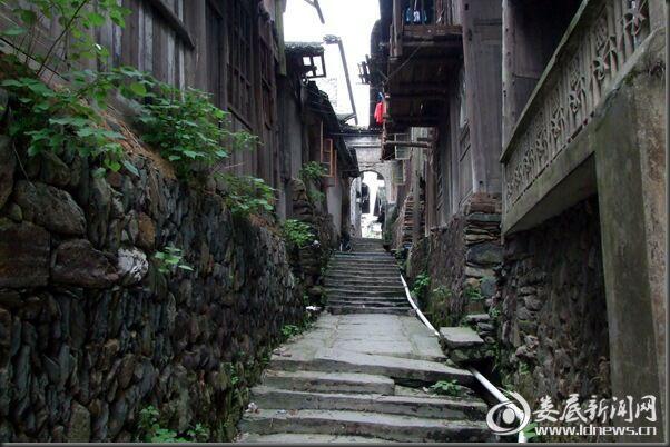 古老街巷 (1)