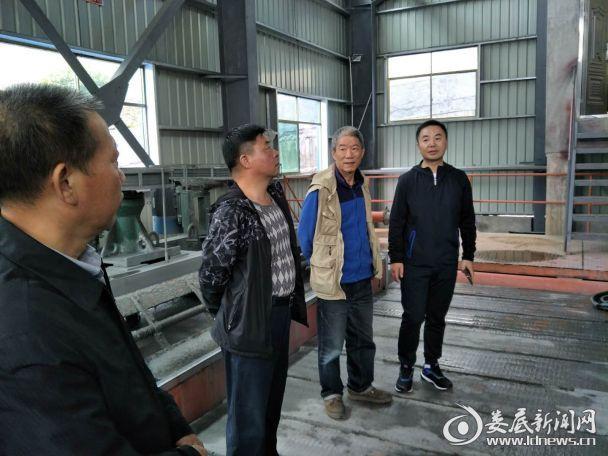 省国土资源厅矿产督查员到新化古台山督查矿产开发工作