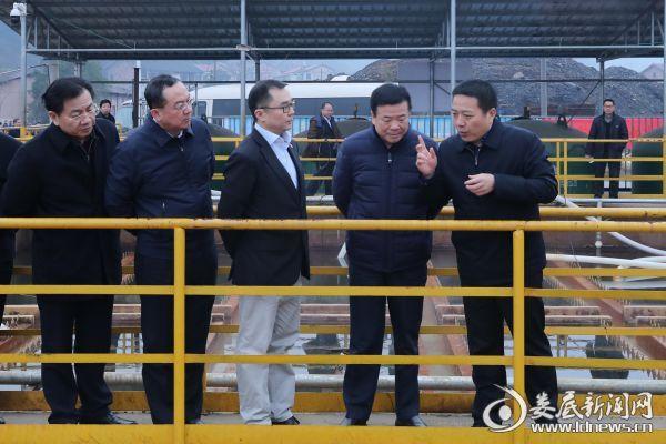 陈飞来到湖南华润利民矿业公司查看了矿区地下水净化处理系统