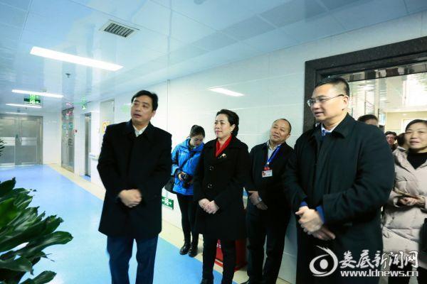 市委常委、宣传部长吴建平一行参观该院院士专家工作站