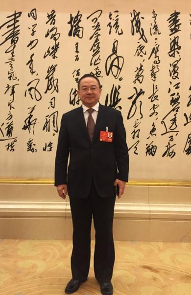 全国人大代表、娄底市市长杨懿文