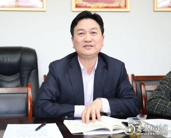 (局党组书记、局长龚洵胜以普通党员身份参加民主生活会)