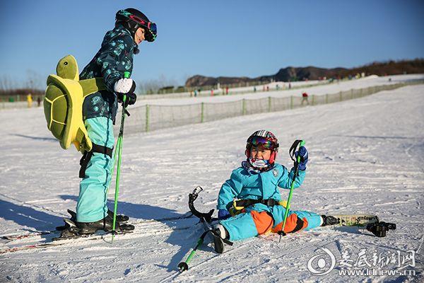 9邓莎滑雪
