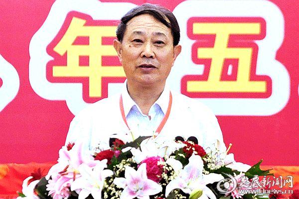 (公司党委书记、董事长陈代富致辞为劳模颁奖)DSC_6037-
