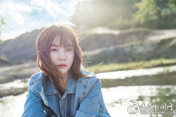 曾昭玮携闺蜜李念同唱《如果·爱》主题曲1