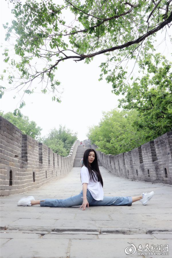 (郑舒环素颜写真)