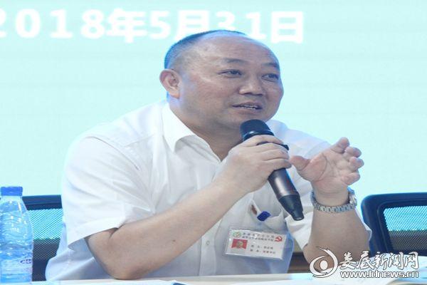 市中心医院党委书记倪志铭发言