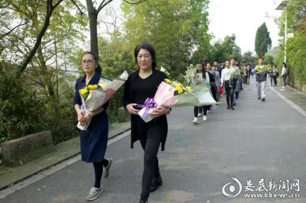 清明节对国之贤母的祭扫活动