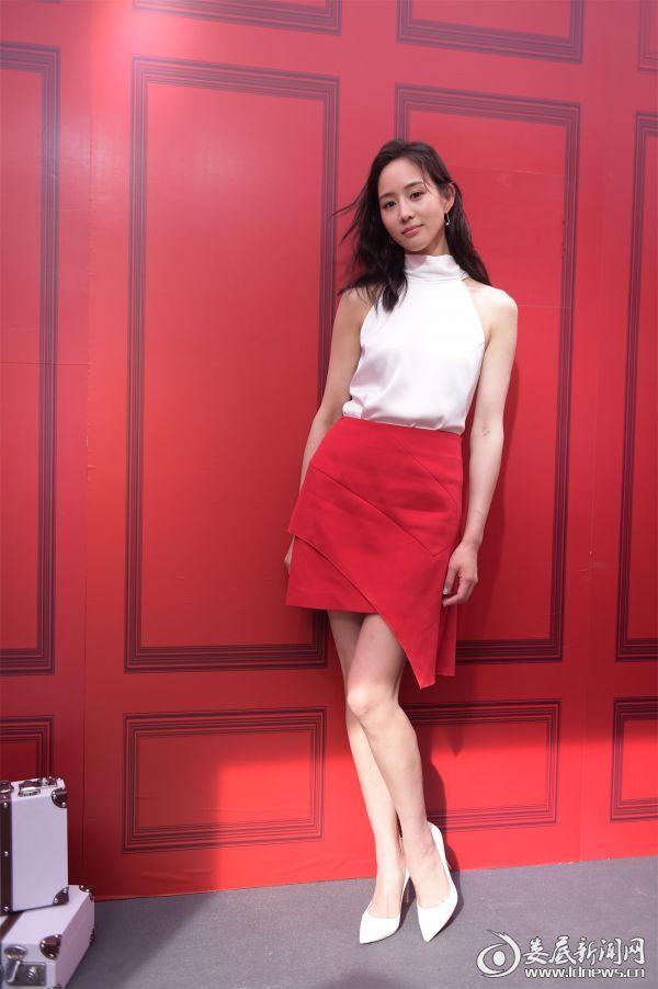 张钧甯出席品牌活动