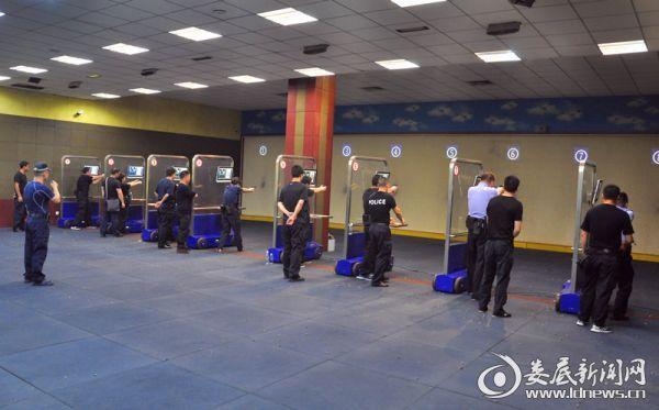 冷水江市公安局顺利完成实战化应用射击训练2