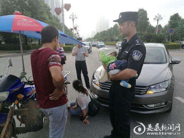 特警勤务大队民警成功处置交通事故获群众褒奖