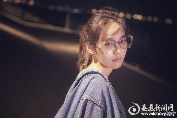 演员张佳宁