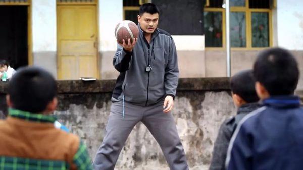 毫无疑问,如果未来中国要选出影响中国篮球最深远的球员时,姚明的名字会永远像万里长城那样屹立不倒。