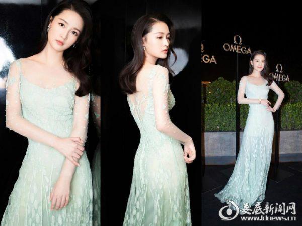 3.李沁淡绿色长裙宛如邻家女孩