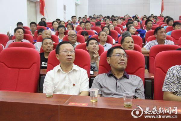 县组织部副部长何述辉莅临指导