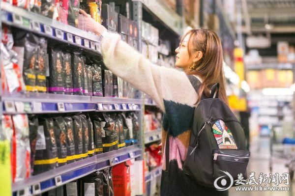 赵薇超市购买食材