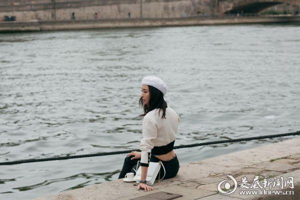 张钧甯巴黎时装周5