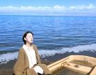 陈瑶大片邂逅人间仙境 光影斑驳演绎秋日的少女浪漫