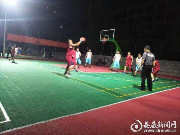 """住建局""""鸿源电力杯""""男子篮球赛6"""