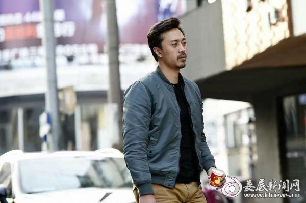 5.郭晓明《双鱼陨石》转战北京