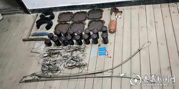 收缴的非法狩猎工具