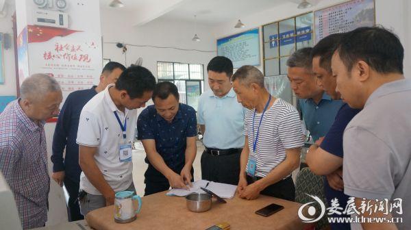 王文红突击检查汽车东站安全生产工作