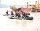 娄底首次举行大规模水域救援实战演练