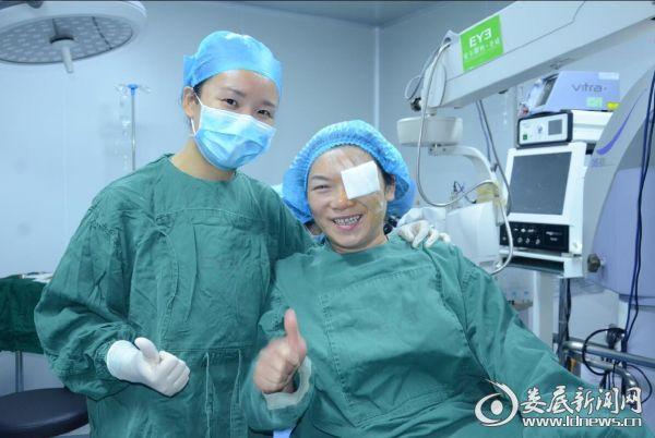 患者为医生的精湛医术和医院的优质服务点赞