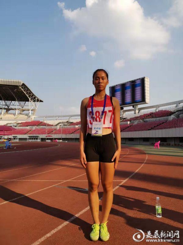 女子800米金牌获得者金思婕