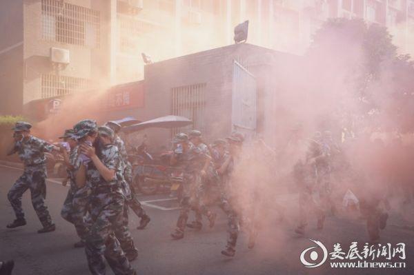 娄底潇湘职业学院开展消防紧急疏散演练