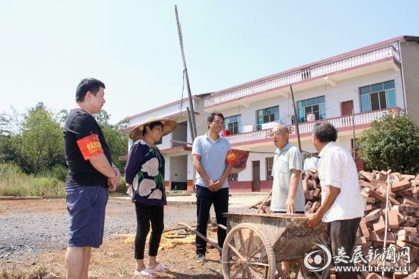 乡村干部入户宣传油茶采摘通告内容