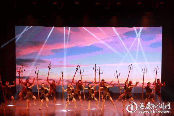 """庆祝新中国成立70周年""""祖国长盛·非遗长青""""娄底非遗音乐会举行"""