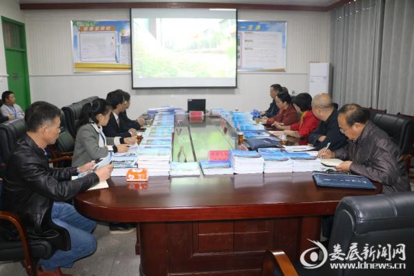 省教育督查组来新化县思源实验学校开展两项督导评估工作