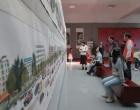 娄底八旬老人手绘百米城市长卷献礼新中国成立70周年 志愿者帮办特殊画展圆梦