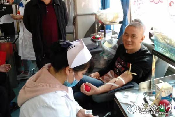 (献血现场)