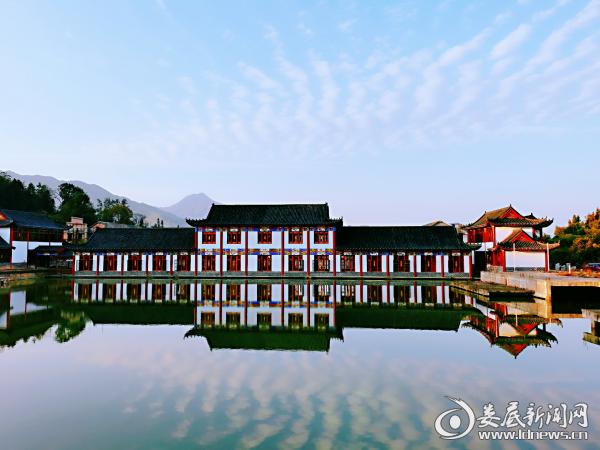 村内凤凰山庄 正在打造中国文印小镇的后花园