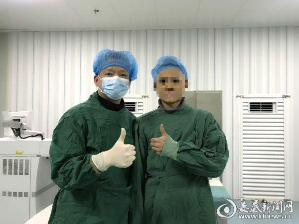 小梁同学在娄底爱尔眼科医院成功摘镜