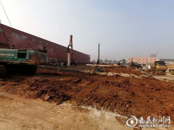 利钢二期开工初期桩基础施工现场照片