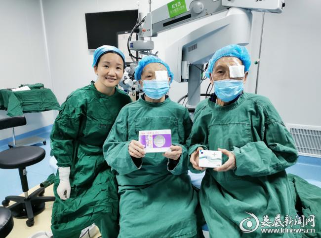娄底爱尔眼科焕晶白内障专家唐玖鸿亲自为老两口开展手术
