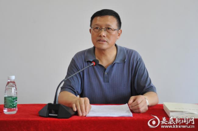 (市国资委党委委员、副主任刘志贤受邀为学员上党课)